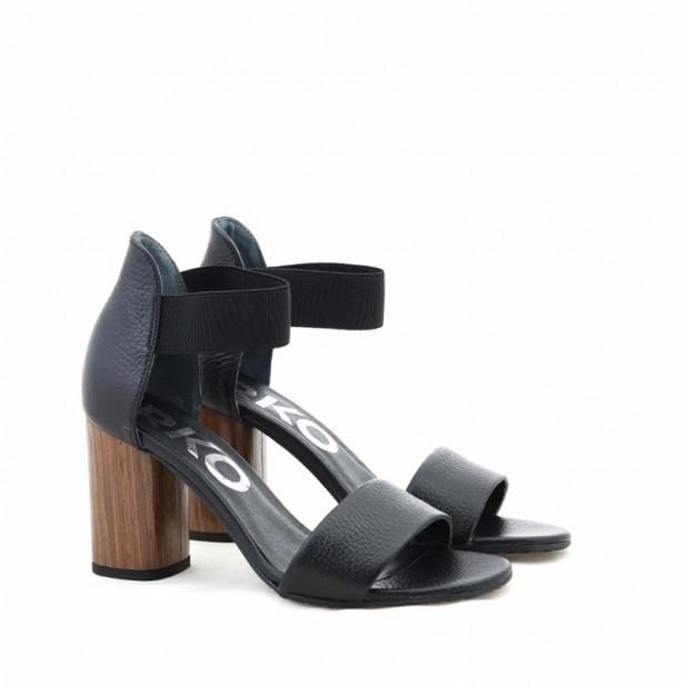 Sandały Ryłko 9HDA7 B8